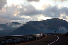 Route de Transalpina, Alpes de Transylvanian, Roumanie Photos stock