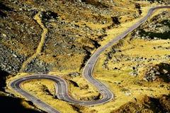 Route de Transfagarasan dans les Alpes de Transylvanian Photo stock