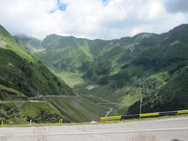 Route de Transfagarasan, Roumanie Photos stock