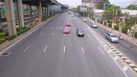 Route de Vibhavadi Rangsit et le trafic à Bangkok clips vidéos