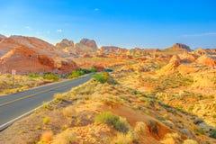 Route de vue d'arc-en-ciel images stock
