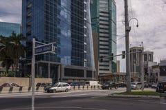 Route de Wrightson, Port-d'Espagne, Trinidad à l'intersection avec la route de dock Images libres de droits