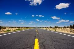 Route 66 den berömda USA vägen, Arizona Royaltyfri Bild