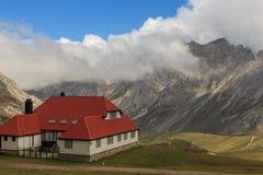 Route door de prachtige plaatsen van Picos DE Europa stock foto's