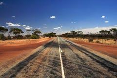 Route droite de désert   Photographie stock