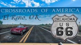 Route 66 : EL Reno, carrefours CORRECTS de peinture murale de l'Amérique images libres de droits