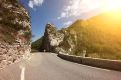 Route en montagnes photographie stock libre de droits