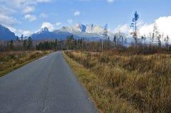 Route en montagnes Photos libres de droits