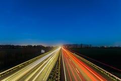 Route entre les villes néerlandaises d'Arnhem et Doesburg Photos stock