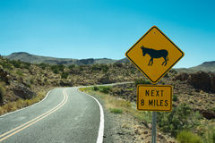 Route 66 -Esel-Überfahrt-Zeichen Lizenzfreie Stockfotografie