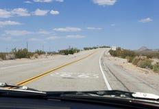 Route 66, estrada da mãe, Califórnia, o Arizona, EUA Foto de Stock Royalty Free