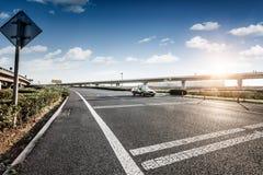 Route et ciel dans l'aéroport Photographie stock libre de droits