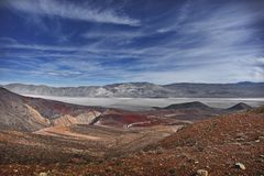 Route et ciel magnifiques de Death Valley Photo stock