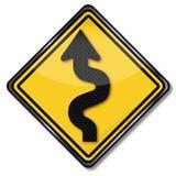 Route et courbes sinueuses d'avertissement illustration libre de droits