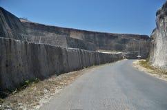 Route et falaise Photo libre de droits