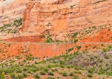 Route et falaise Image stock