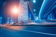 Route et fond urbain Photos libres de droits