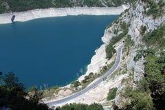 Route et lac Images libres de droits