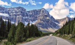 Route express d'Icefields en stationnement national de Banff photo libre de droits