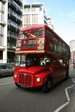 route för busslondon förlage Arkivfoto