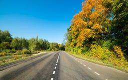 Route goudronnée vide photographie stock