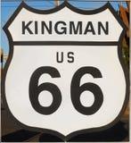 Route 66 histórico, Kingman, sinal, estrada, o Arizona EUA imagens de stock royalty free
