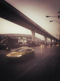 route le long de la pousse de route dans la sépia Photo libre de droits