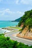 Route le long du bord de la mer Photographie stock libre de droits