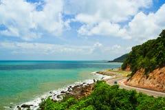 Route le long du bord de la mer Image stock