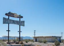 Route 66 : Le restaurant du coucou terrestre, Chambless, CA images libres de droits