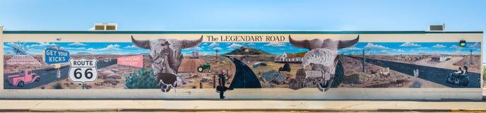 Route 66: Legendarisk vägväggmålning, Tucumcari, NM Royaltyfria Bilder