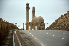 Route menant à la mosquée de Bibiheybat, Azerbaïdjan Images stock