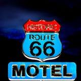 Route 66 na noite imagem de stock