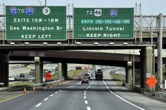 Route 95 nezr de uitgang voor Lincoln Tunnel stock fotografie