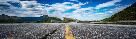 Route Norvège de l'Océan Atlantique de panorama Image libre de droits