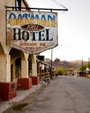 Route 66: Oatman-Hotel, Oatman, AZ Lizenzfreies Stockfoto