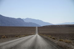 Route par Death Valley Photos stock