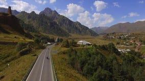 Route par la nature de la Géorgie banque de vidéos