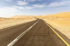 Route par le désert Photos libres de droits