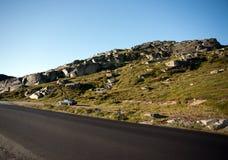 Route par le plateau Valdresflye, Jotunheimen de montagne Photos libres de droits