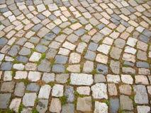 Route pavée au monastère Images stock