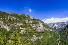 Route plate de grand chêne - itinéraire 120 d'état de la Californie Photographie stock libre de droits