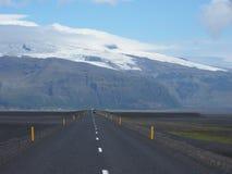 Route plus près des montagnes Photos stock