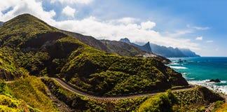 Route près de côte de panorama d'océan Image libre de droits