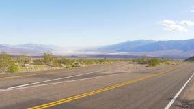Route sc?nique par le parc national de Death Valley banque de vidéos