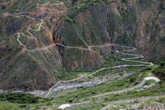 Route sinueuse intéressante Pérou du nord de montagne d'enroulement Images stock