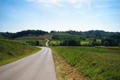 Route sinueuse sur la colline Image libre de droits