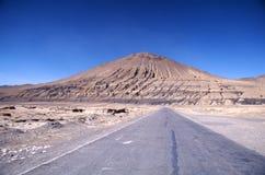 Route sous le ciel bleu Image libre de droits
