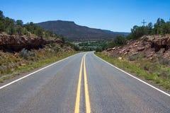 Route 66 -Straße in den Horizont Lizenzfreies Stockbild