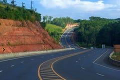 Route sur la colline en Thaïlande à Phetchabun Image libre de droits